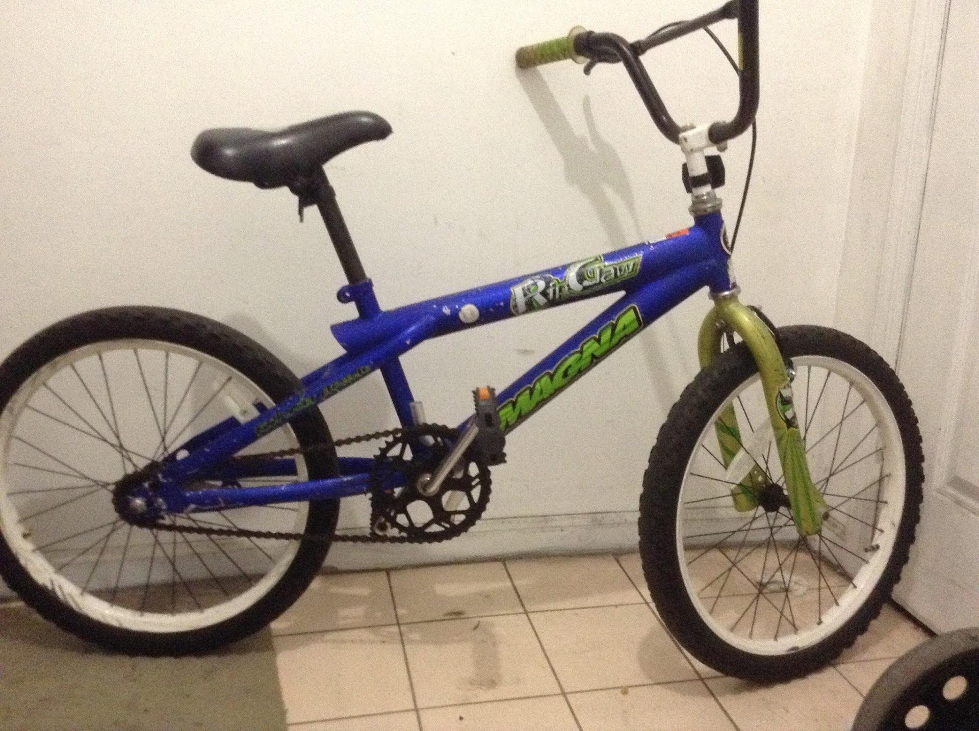 兒童自行車 請電646-272-6855