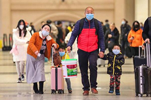 由于中国武汉新型冠状病毒(2019-nCoV,下称武汉肺炎)疫情不断蔓延,不少国家和地区出现民众大量购买口罩的情况,中国大陆各地更有医疗前线出现口罩等防疫物资缺乏的状况。