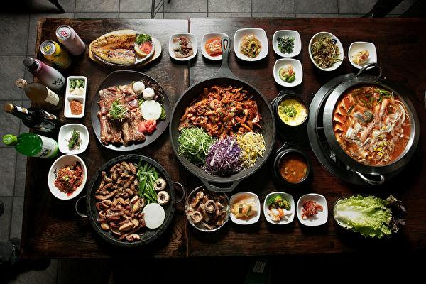 纽约朋友餐厅(电话:929-362-2132)吃正宗烤猪排牛肠的首选韩餐
