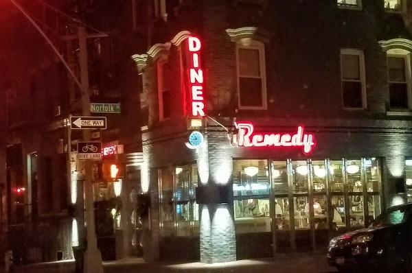 Remedy Diner  美国风味餐馆 212-677-5110