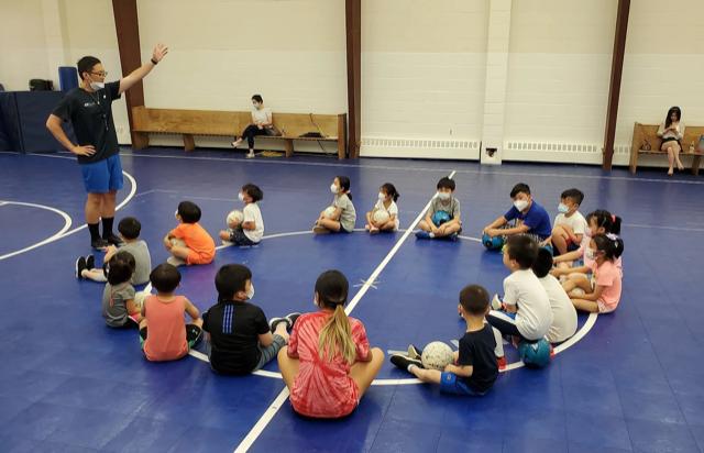 怎样让儿童、青少年摆脱网络?最好的方法参加体育运动、参加足球课、参加篮球课