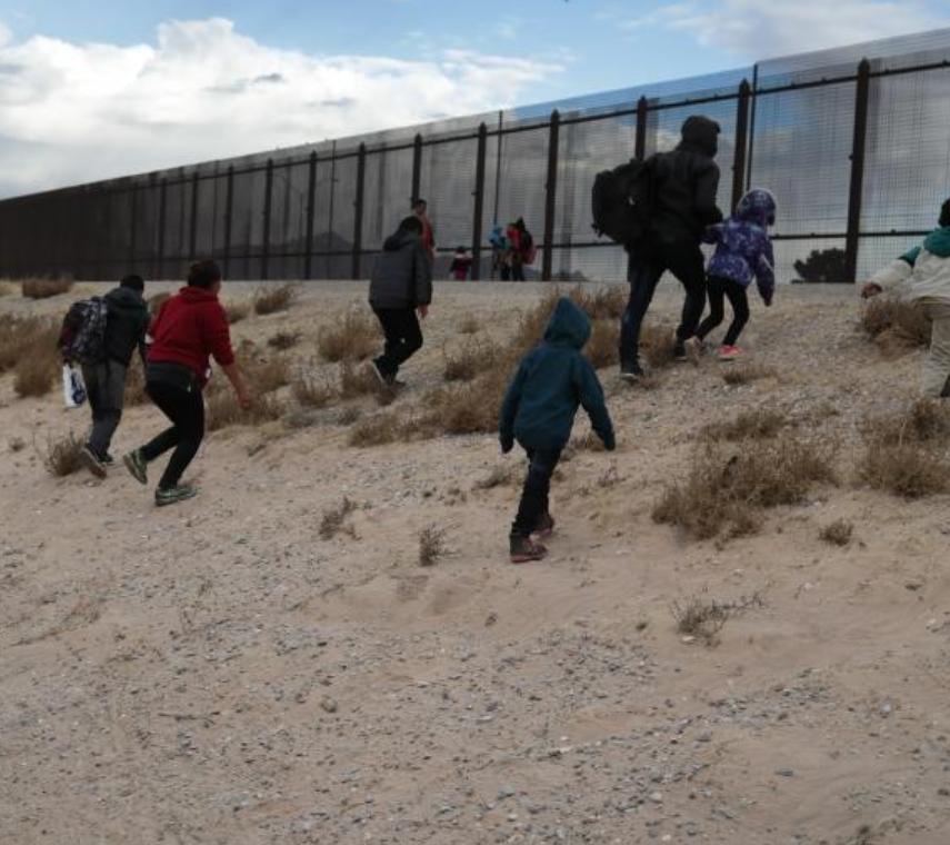 移民政策让无证农民工有福了,美墨边境危机未解,中美洲移民受政策鼓舞,持续涌向美墨边境