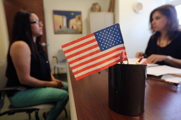 持F-1签证和美国公民结婚