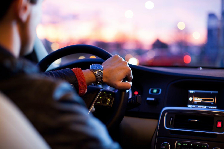 这些交通罚单会让你的汽车保费大涨,在纽约开车,这些驾驶习惯要避免